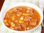 Яхния от задушен телешки език с картофи и доматен сос